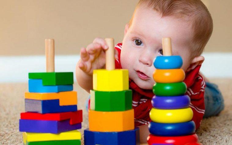 Les jouets d'éveil efficaces pour bébé